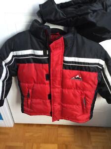 Manteau d'hiver avec capuche- garçon de 4 ans