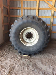 900/60R42 Tires and Rims