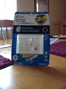 NEW KIDDE CARBON MONOXIDE ALARM WITH BATTERY BACKUP PRICE $25.00