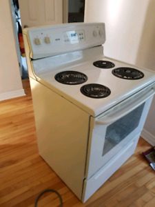"Electric 30"" 4 burner Kenmore stove"