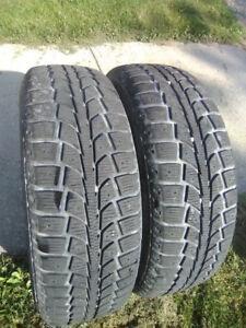 4 Uniroyal tires 215 / 70R- 15