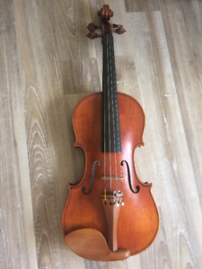 Full size 4/4 Violin with Case and Bow