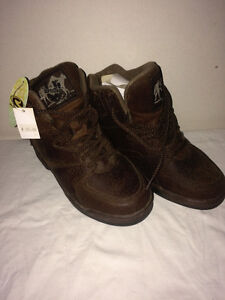 Ladies Roper Horseshoe Boots - Size 5 - New