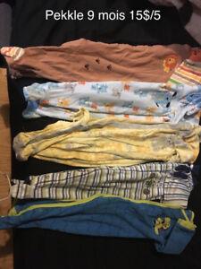 CInq Pyjamas pekkle 9 mois 15$ le lot