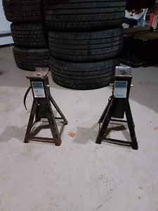 2.   2 ton jack stands