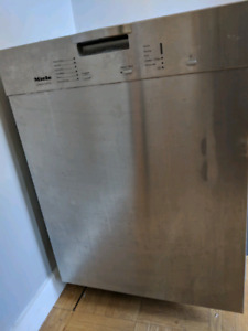 Miele dishwasher  G2140 as is