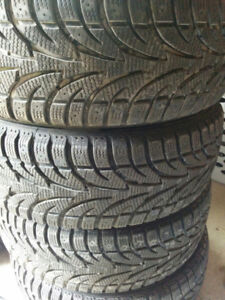 For sale 4 winter tires 215/70/15