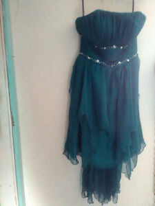 FREE SIZE 8 DRESS TO A YOUNG LADY IN NEED