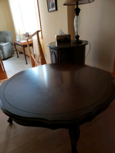 Large round coffee table and 2 end tables