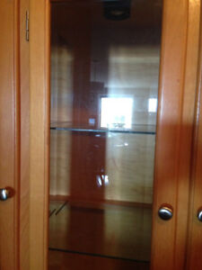 Hutch with display cabinets