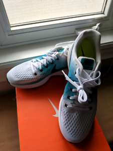 bb3d28648b9ee Brand new Nike running shoes Pegasus 34