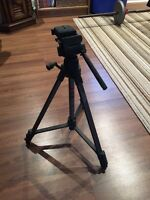Camera tripod with removable camera base