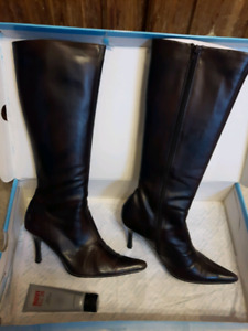 Spring Boots Size 8