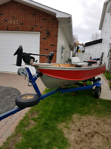 ALUMINUM BOAT WITH MOTOR AND TRAILER