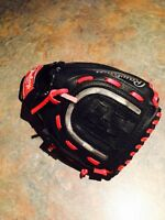 Little boys baseball glove with light up centre brand new