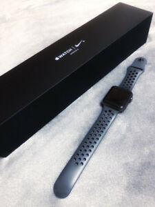 42mm Nike Apple Watch Space Grey MINT with APPLECARE PLUS!