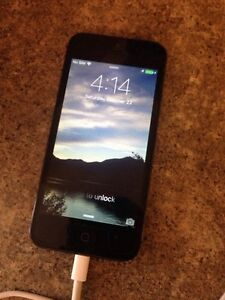 Like new unlocked 16gb iPhone 5