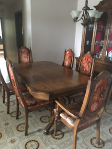 Classic Dining Room Set - Hutch, Table and Chairs