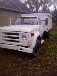 1970's dodge fargo with dump box and working hoist