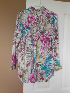 Tropical Print Buttoned Blouse with Collar