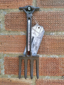 Cast iron thermometer