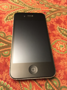 Unlocked iPhone 4 16 GB Black in Good Condition