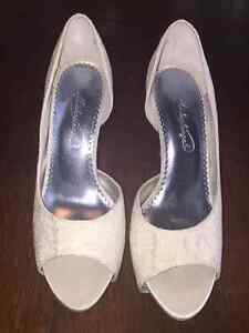 Lace and Sequence Wedding Shoes - size 7 Sarnia Sarnia Area image 4