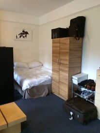 DISCOUNTED DOUBLE ROOM ONLY THIS WEEK-STREATHAM-AVAILABLE FOR COUPLES-MUST SEE!!!