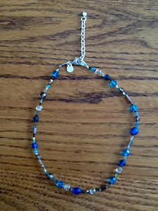 BEAD NECKLACE WITH SILVER CLOSURE