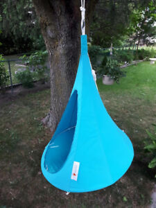 Cacoon Hanging Lounger outdoor patio furniture 2 for $200