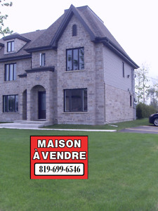 Superbe Maison de Ville à vendre à Trois-Rivières à 164 900$