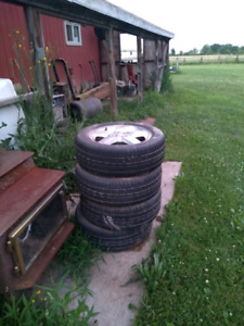 Chevy Cobalt 2005 rims and tires
