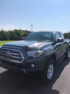 2016 TRD off road  Toyota Tacoma 4x4 extended cab