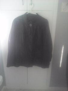 Petite veste en cuir Saguenay Saguenay-Lac-Saint-Jean image 1