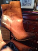 Brand new! Vince Camuto umbre booties