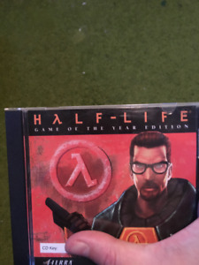 Half-Life 1: Game of the year edition with CD-Key, works great.