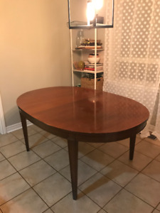 Extendable Solid Wood Oval Dining Room Table  $500 OBO