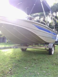 Stesco bass tracker yammy 40  hp  Elimbah Caboolture Area Preview