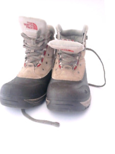 THE NORTH FACE WOMENS BOOTS WINTER BOOTS SIZE US 9