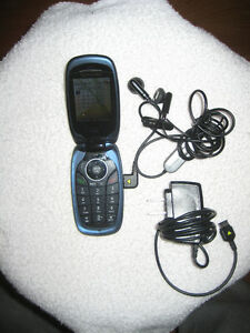SAMSUNG Flip Cell Phone