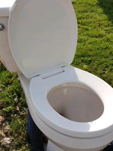 Curb Alert: Free Beige low flush Toilet