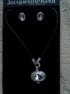 JACQUELINE KENT NECKLACE AND EARRING SET