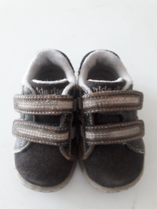 Stride Rite Brown Shoes - Size 4