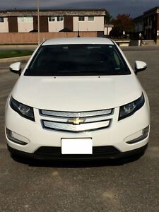 2013 Chevrolet Volt - Very clean!