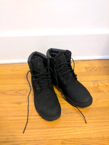 NEW Women's sz. 8 Timberland Boots - Black Suede