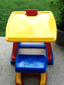 Toddler drawing table with stool