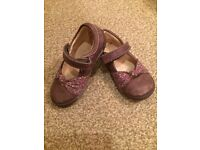 Clarks girls shoes size 6E