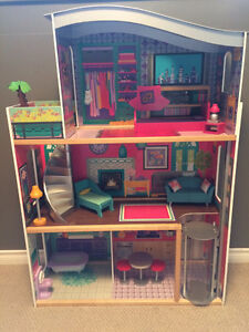 "Mint Furnished ""Kidcraft Luxury Dollhouse"""