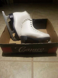 Girls ice skates size 1 (Cameo by Jackson) - $30 (Vancouver)