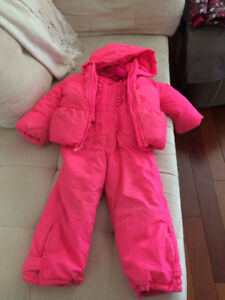Gap Snowsuit Size 3!!